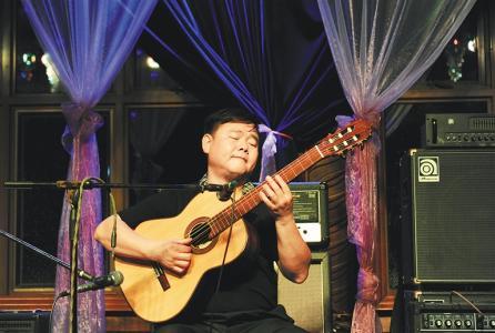 吉他教学——民谣弹奏与演唱如何能做到一致?