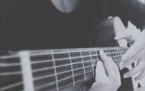 吉他教学——练习大横按如何减少酸痛和吃力感