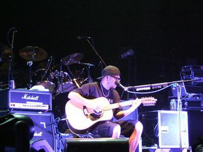 吉他教学——吉他弹唱如何协调好人声与吉他?