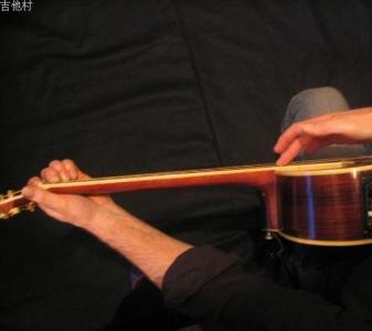 吉他教学——民谣吉他的使用技巧